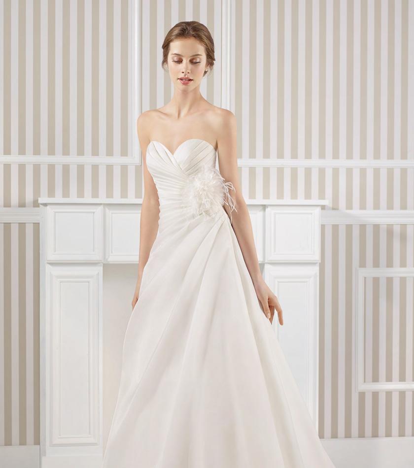 premium selection 15bdb ec7a9 outlet abiti da sposa, abiti firmati abiti da sposa, vestiti ...
